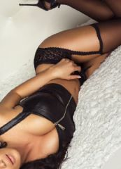 Elite Sydney escort model and luxury travel companion.